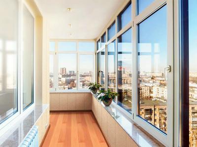Монтаж трёхслойного утепления балкона