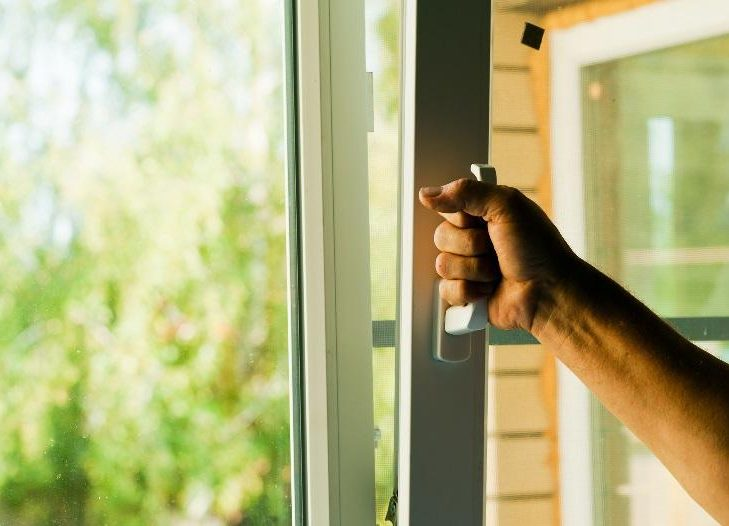 Регулировка окон балкона