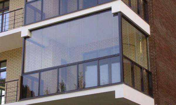 Безрамное остекление квартир - максимум света и эстетики!