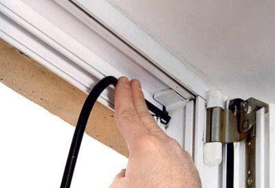 Замена уплотнителя пластиковых и деревянных окон