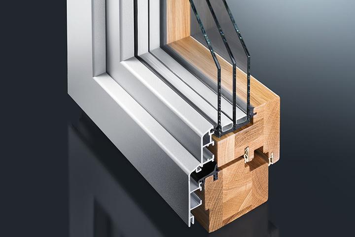 Деревянные окна из сосны с с алюминиевыми накладками