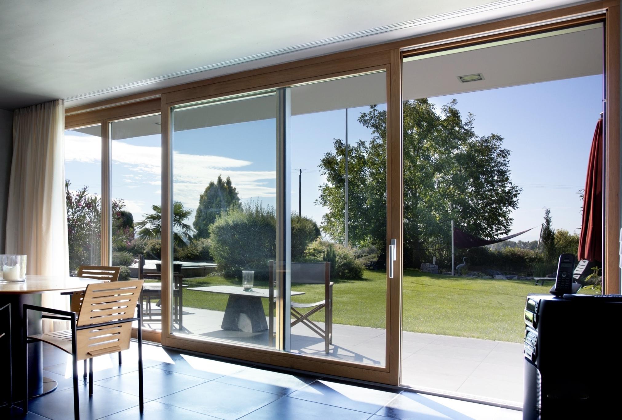 Габаритные раздвижные окна и двери